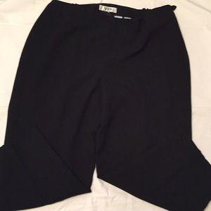 Jones studio Black slacks/lined
